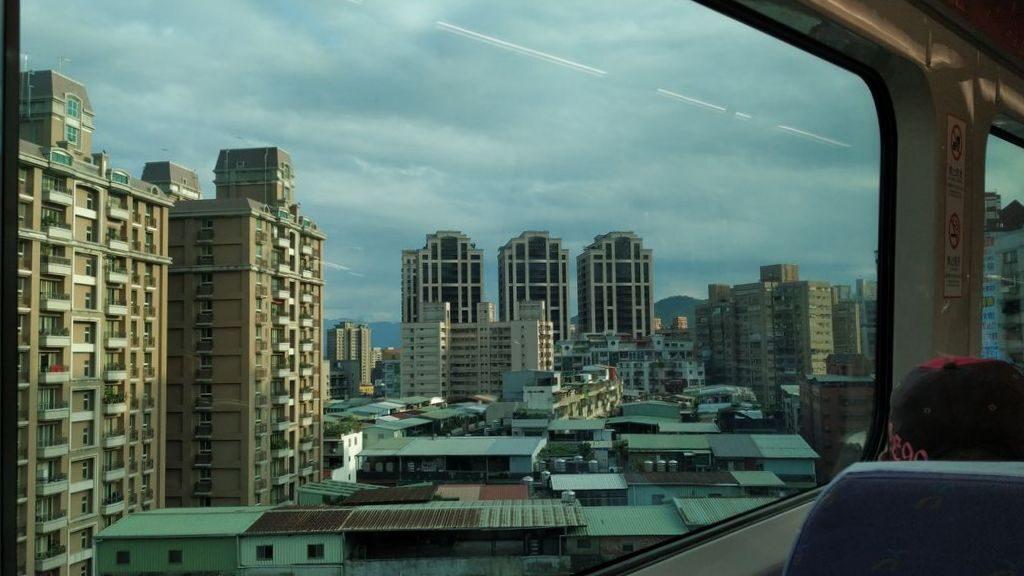 Дорога из аэропорта Тайбэя