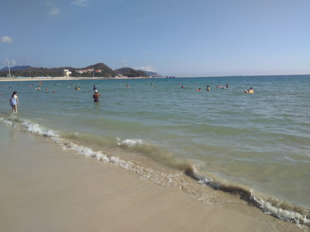 Море на Хайнане в феврале