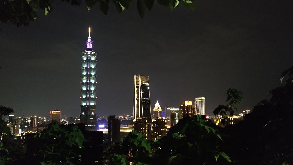 Башня Тайбэй 101 со смотровой площадки на горе Слон, Тайвань