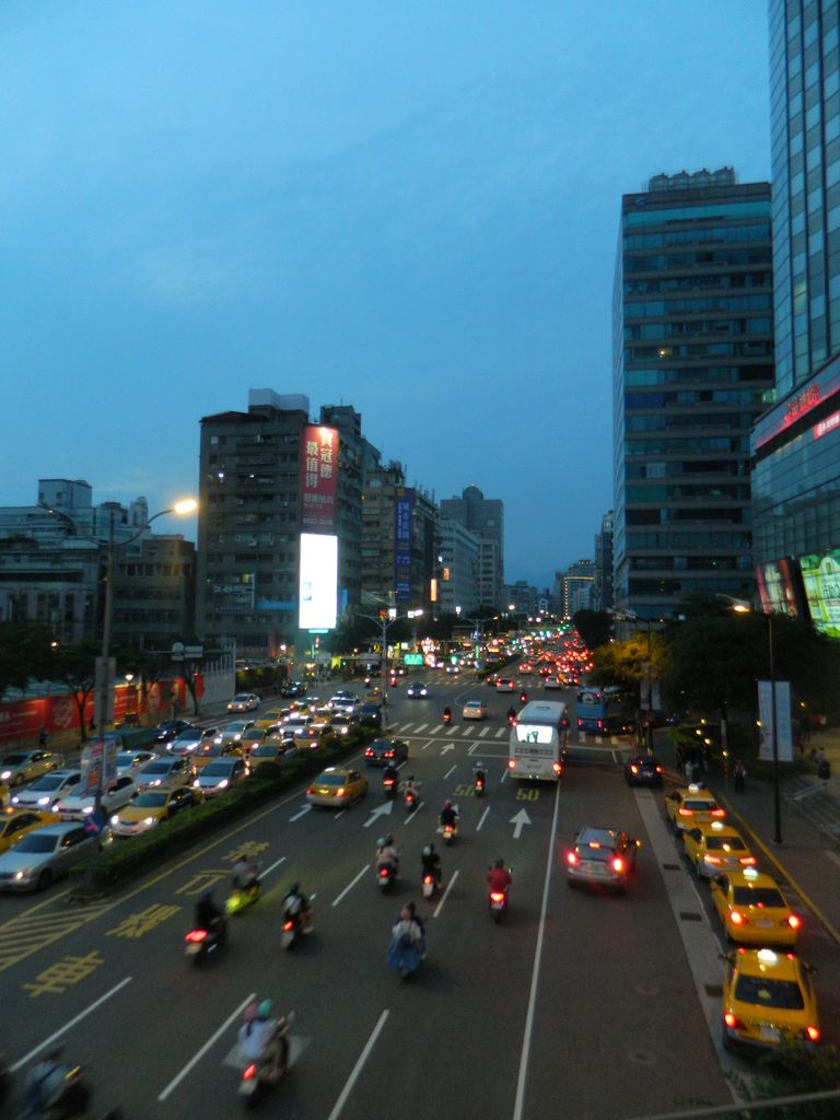 Общественный транспорт на Тайване