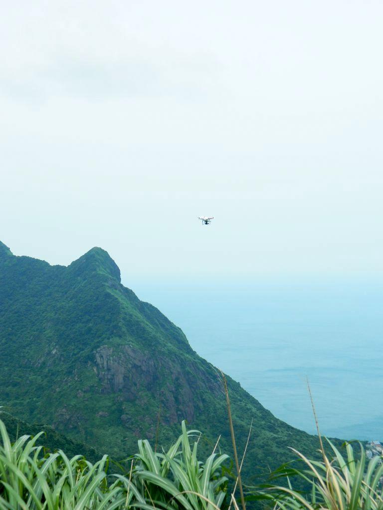 Дрон в небе над Тайванем