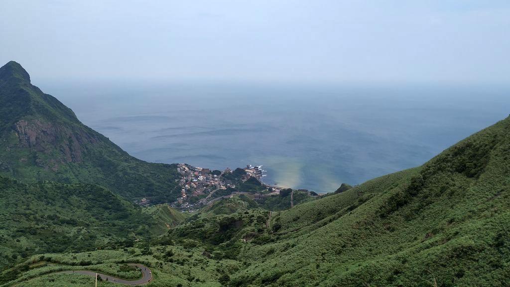 Вид на посёлок Shuiyudong с горы, Тайвань