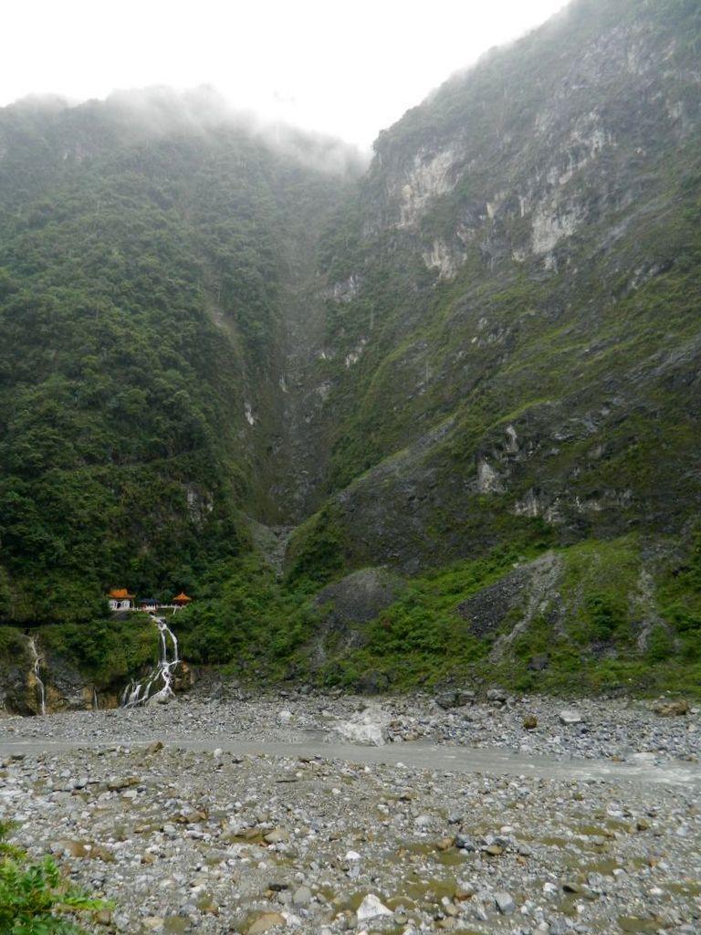 Храм Вечной Весны в ущелье Тароко, Тайвань