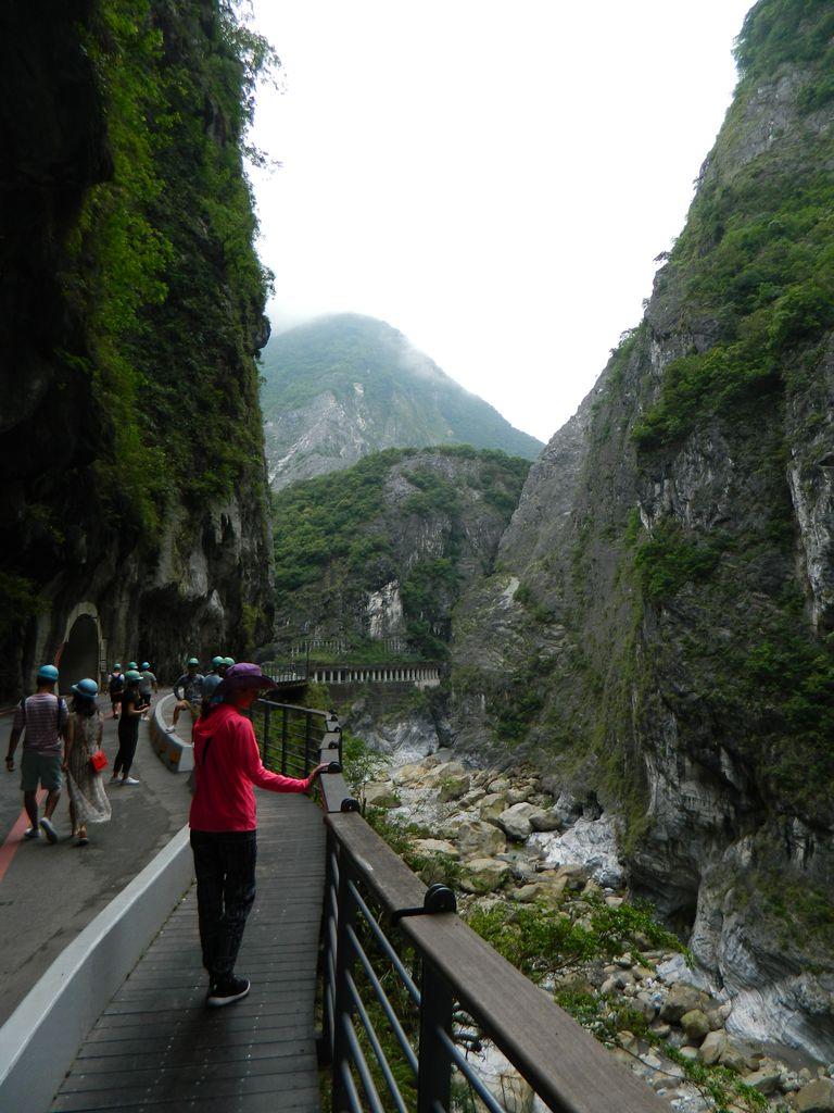 Дорога к мемориальному парку Jinheng, Тароко