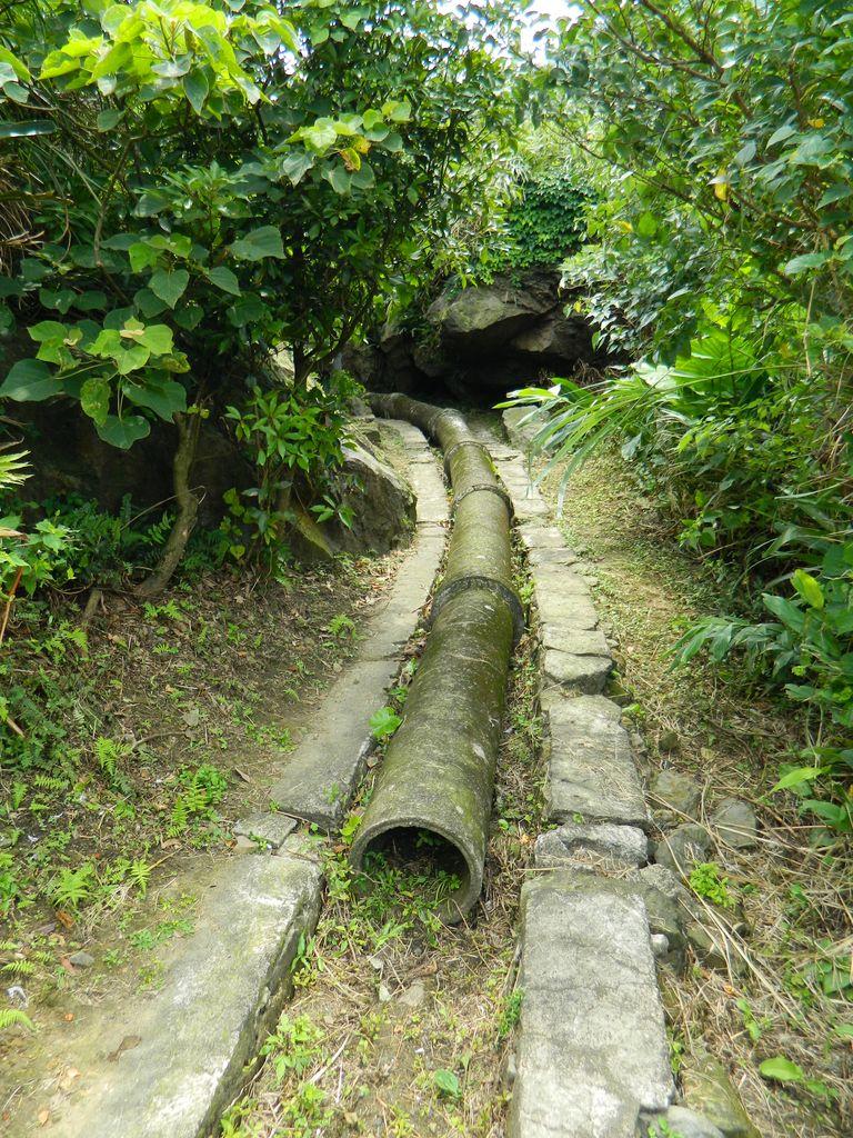 Старый водопровод на маршруте, Тайвань