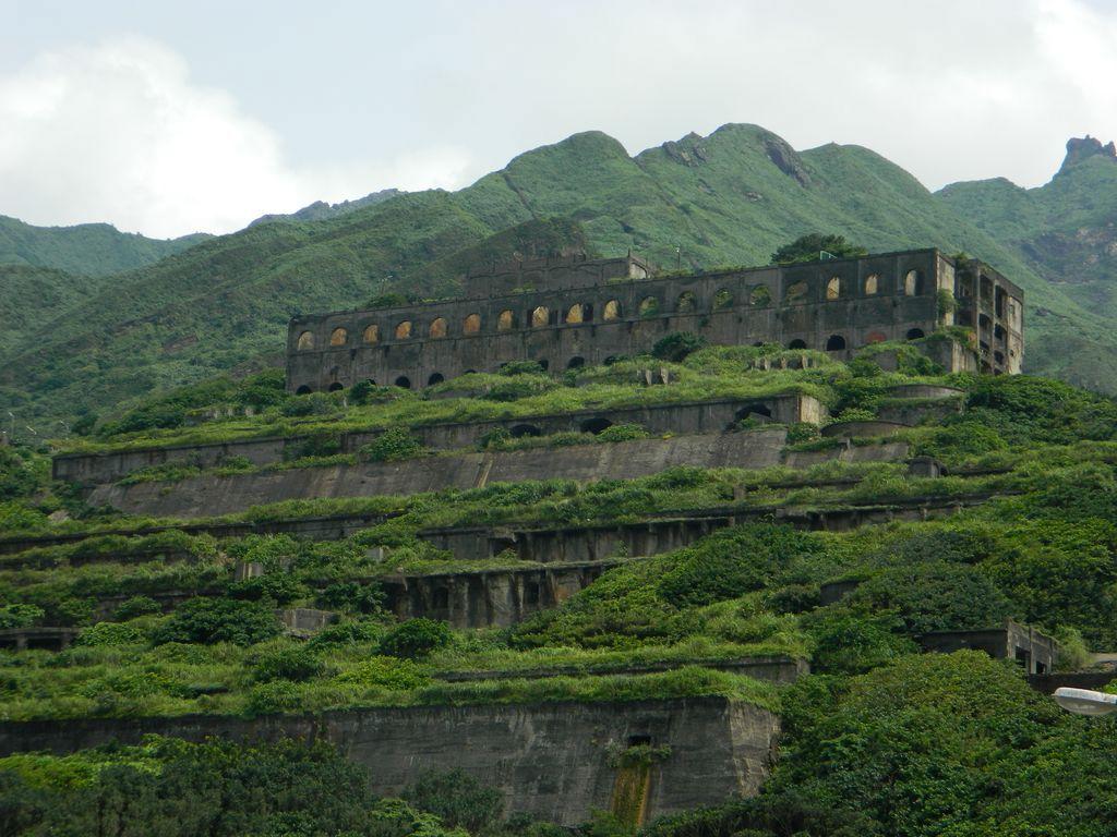 13-этажные руины завода, Тайвань
