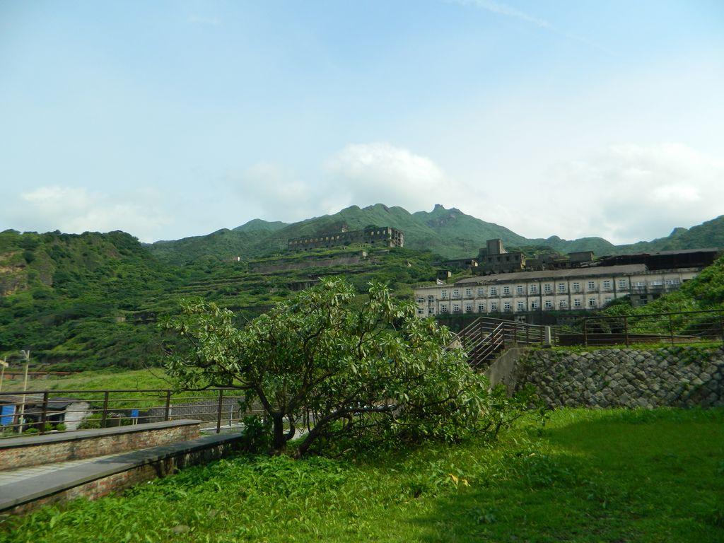 Вид на 13-этажные руины завода, Тайвань