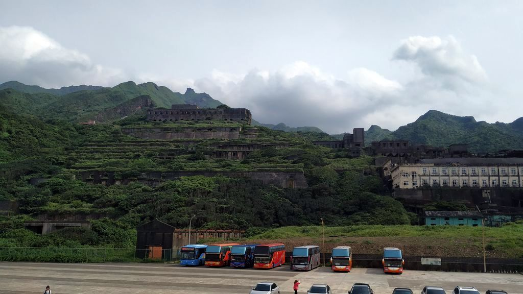 Остановка автобусов возле старого завода, Тайвань