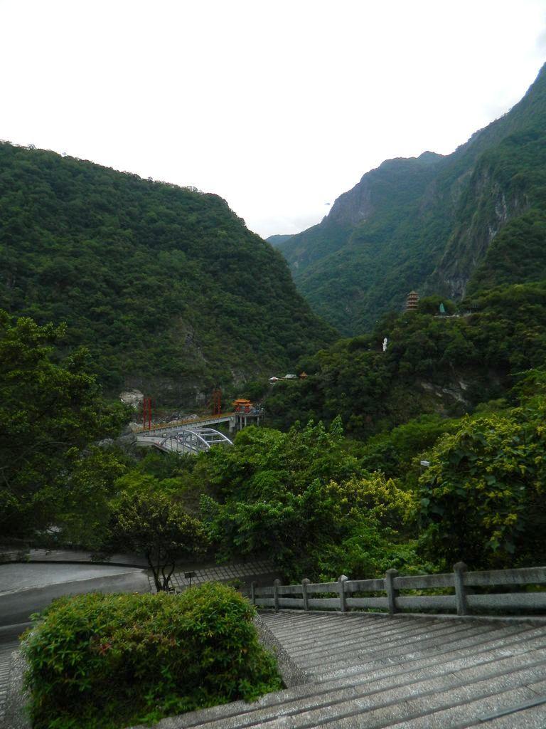 Мост Zhihui и храм Xiangde, Тароко